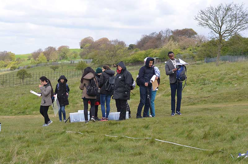 DLD College London Biology Students visit Whipsnade Zoo