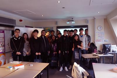 DLD Business students visit Holt Business School