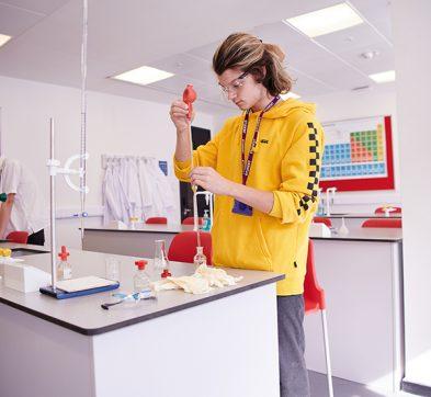DLD College London Science Laboratory
