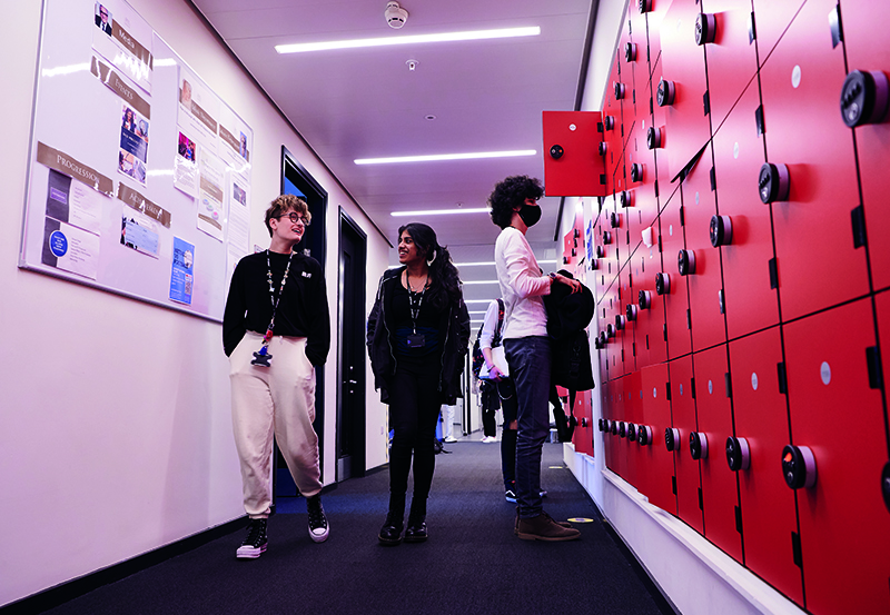 Students Inside DLD College London